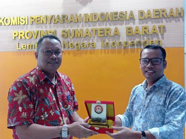MOU UNU Sumbar dengan Komisi Penyiaran Indonesia Prov.Sumatera Barat